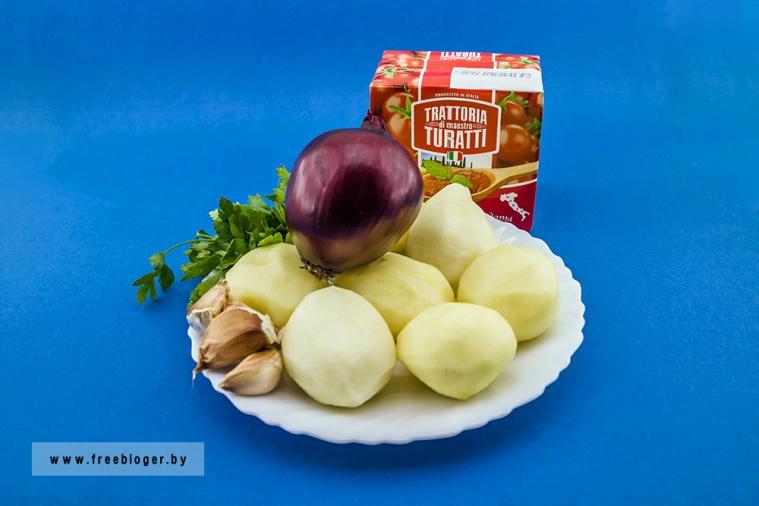 Рулет с картофелем, сыром и фаршем в беконе