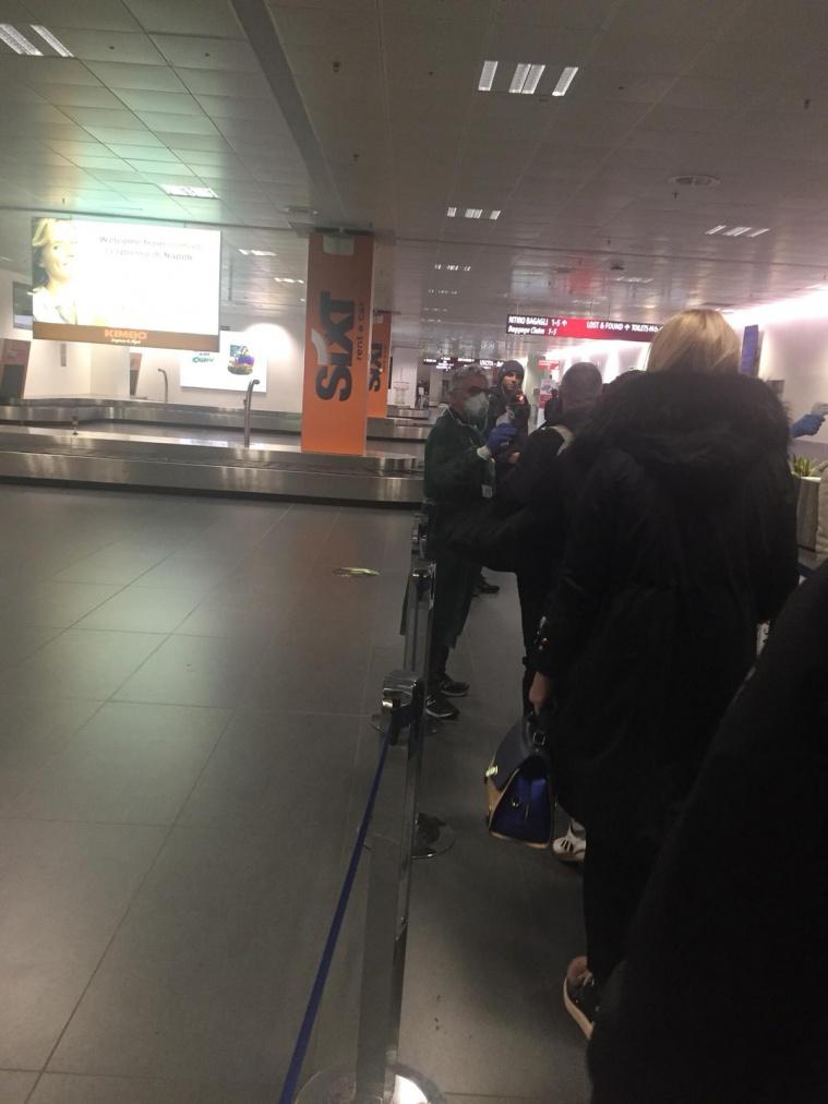 В Европе в аэропортах измеряют температуру