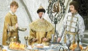 Королевский стол против раздельного питания. Что выбираете вы?
