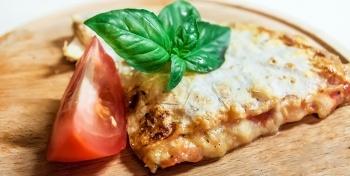 Лаваш с сыром и помидорами по-итальянски